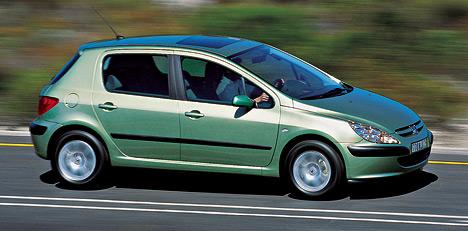 Получивший престижный титул автомобиля года в Европе, Peugeot 307 отличается отличными ездовыми качествами и почти однообъёмной компоновкой, позволившей получить максимально комфортный салон.