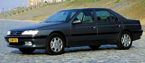 Очень комфортабельный и очень солидный, но не очень красивый Peugeot 605.