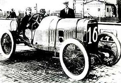 Самый быстрый автомобиль своего времени, Peugeot Goux 1913 года выпуска развивал 187 км/ч.