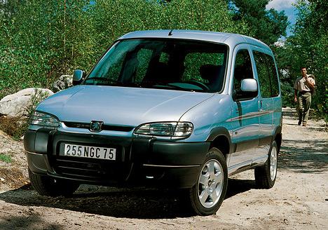Peugeot Partner — исключительно просторный и универсальный автомобиль за небольшие деньги.